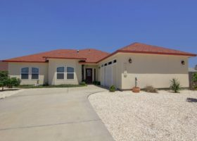 welcome-to-13914-seahorse-avenue-1