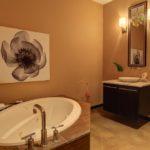 Hall Guest Bath In Between Bedrooms